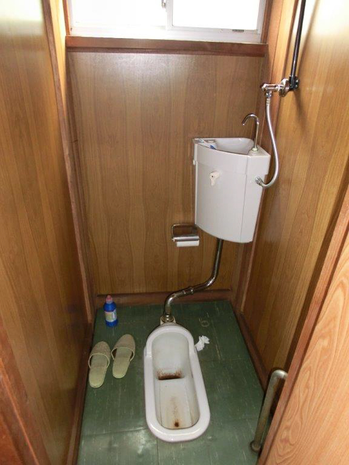 トイレのリフォーム施工前