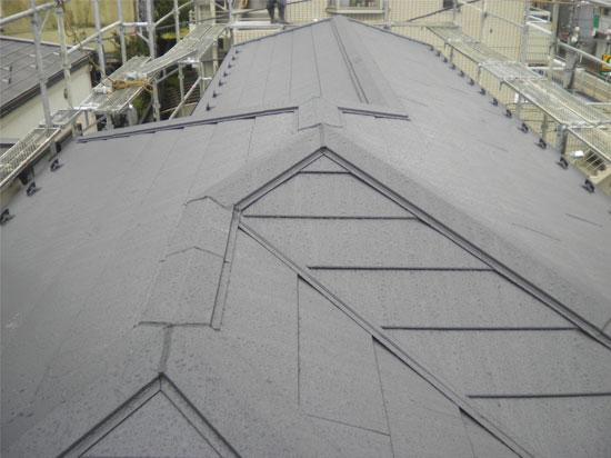 コロニアル屋根の葺き替え工事後